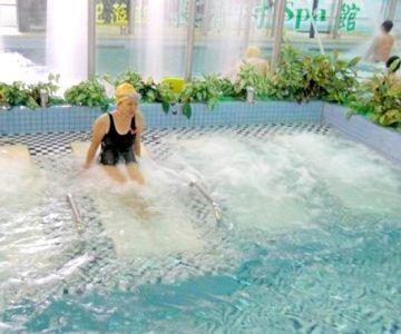 長青村水療養身游泳健康中心 休閒浮浴